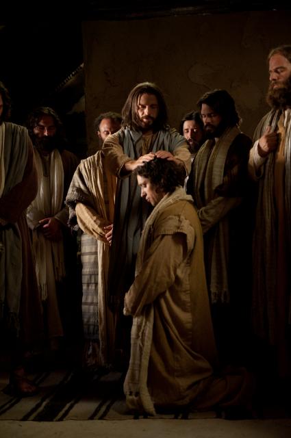 耶穌授予聖職給使徒,今日有復興的福音和聖職