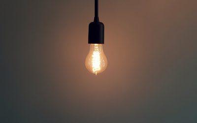 「我們有了光」:三個房間的比喻